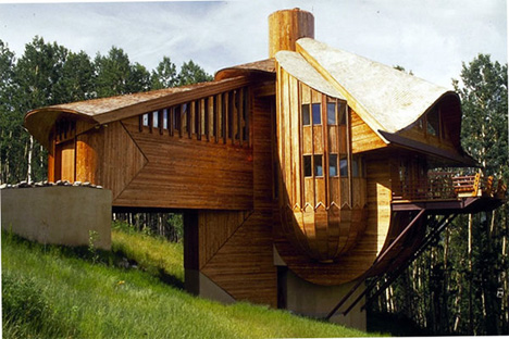Robert-Harvey-Oshatz-snow-clam-house-in-mt-crested-butte-colorado